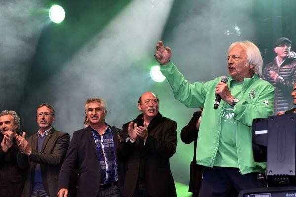 Monty a entonné l'hymne des Verts en présence des anciens joueurs de 1976 ...