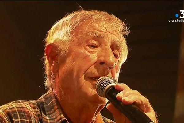 Antoine Ciosi fait partie des artistes à qui Barbara Carlotti rend hommage