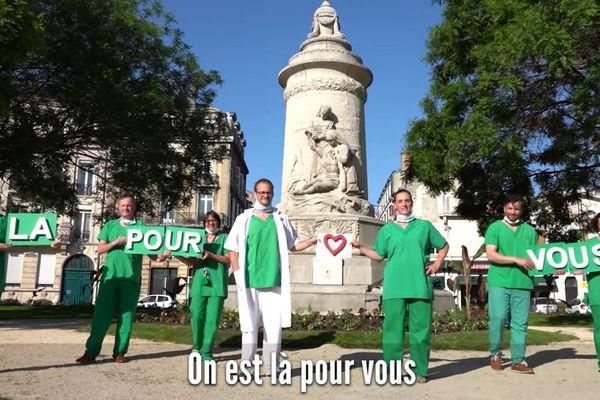 Le clip a été tourné en partie devant le monument dédié aux infirmières à Reims