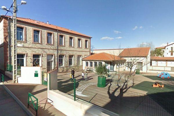 Sorède (Pyrénées-Orientales) - l'école maternelle André Cavaille - archives