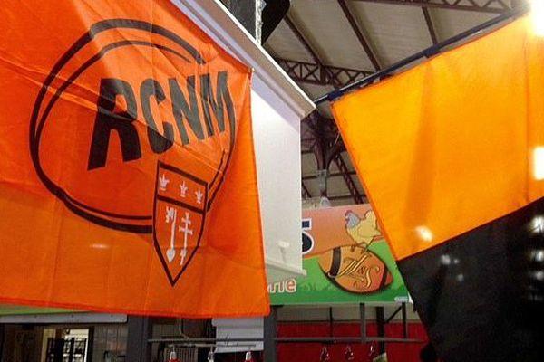 Narbonne (Aude) - les drapeaux sur RC Narbonne Méditerranée - archives