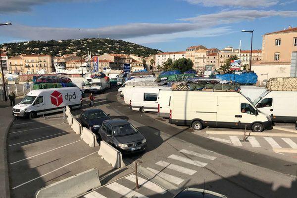 Toute la journée des passagers ont été bloqués sur le port de Sète.