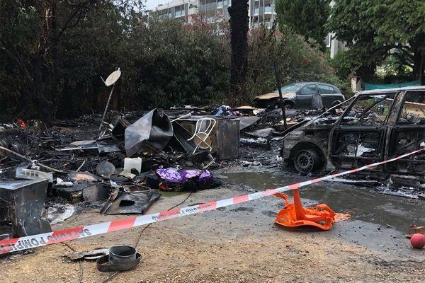 Un nouvel incendie a ravagé un camp de rom vers 5 heures du matin, jeudi dans le quartier du Millénaire à Montpellier. C'est le troisième en un mois. La ligue des Droits de l'Homme de Montpellier réclame une enquête sur cette série de sinistres. 16 septembre 2021.