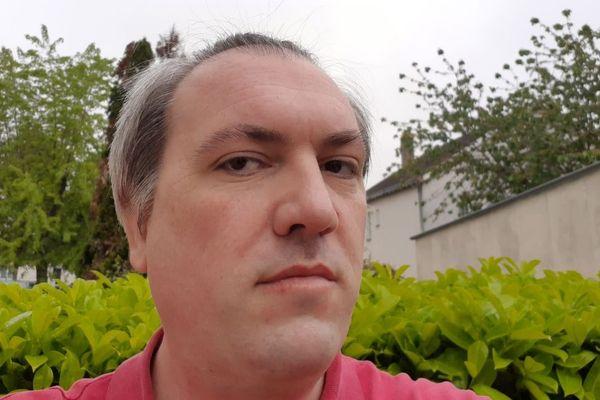 """Samuel Gauthier, couturier professionnel à Tours """" """"L'art et la matière"""""""