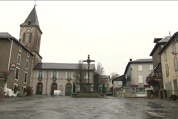 Anglès, village du Tarn de 520 habitants, a déjà connu une quinzaine de pannes de ses réseaux téléphonique et internet depuis le début de l'année 2017.