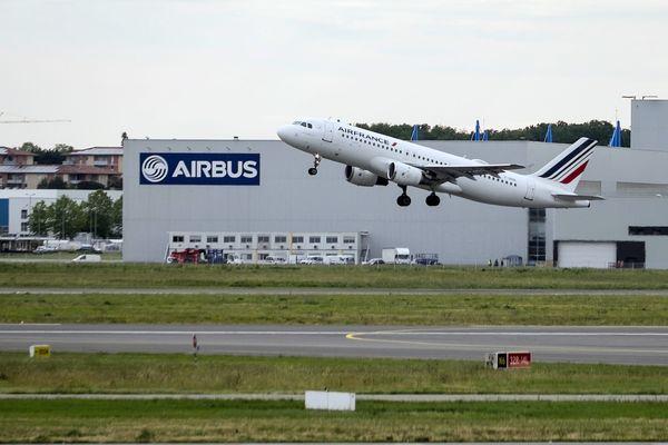 La région Occitanie accueille plus de 10 millions de passagers sur son réseau de neuf aéroports commerciaux, dont 70 % rien que pour l'aéroport régional de Toulouse-Blagnac.