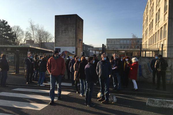 Un mouvement de grève des professeurs a été déclenché ce mardi 23 mars au lycée Jules Verne à Mondeville, contre l'insécurité