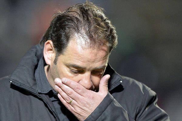 Tout se lit dans le visage du coach, Stéphane Moulin à Jean-Bouin hier soir