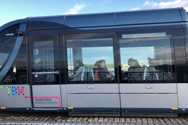 Les réseaux de bus et tram circuleront mais sur une plage horaire réduite de 6 H 30 à 20 H 30.