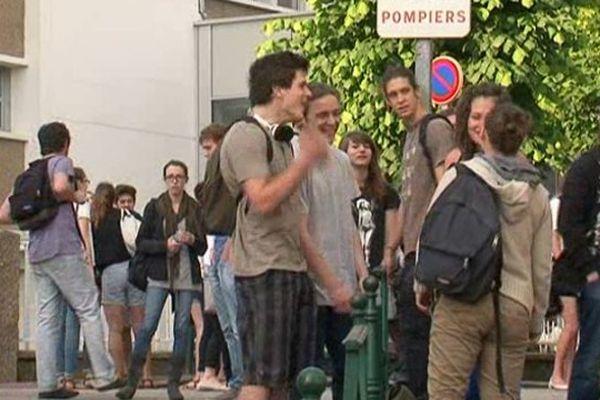 Lycée Limosin à Limoges, jour du bac 2014