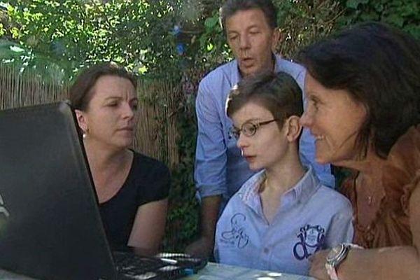 Paul Mouchon, 12 ans, est atteint de cytopathie mitochondriale. Il ne peut plus être scolarisé, faute de place dans un établissement spécialisé.