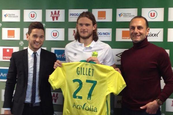 Après un premier entraînement hier avec le groupe nantais, l'international belge Guillaume Gillet a été présenté ce mercredi matin à la presse par le FC Nantes.
