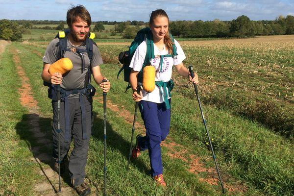 Bastien et Shawenta font un tour de France pour sensibiliser le public à la maladie de Tarlov