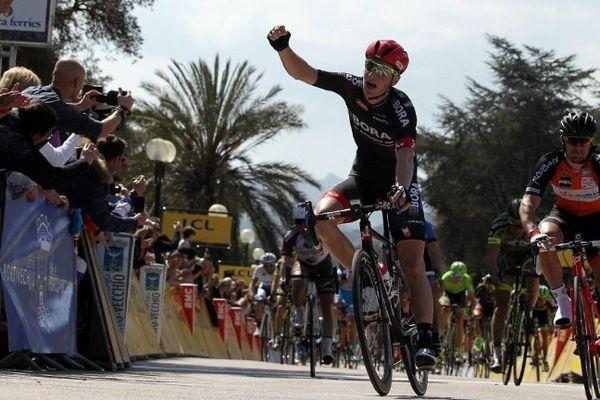 26/03/15 - Criterium international - 1re étape victoire de l'Irlandais Sam Bennett