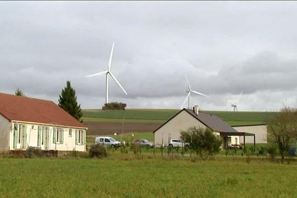 Parc éolien de Clamecy-Oisy (Nièvre)