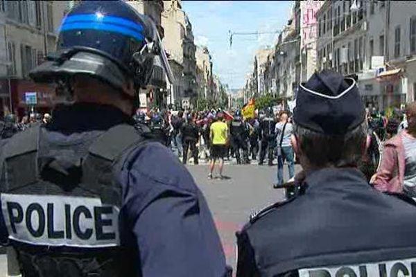 A Marseille, 300 policiers sont mobilisés à chaque manifestation.
