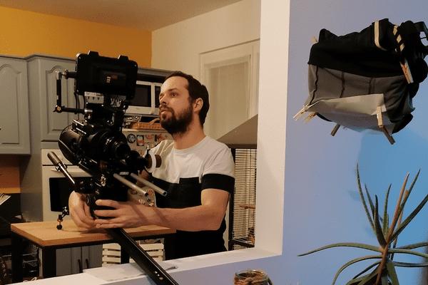 Pierre-Alexandre Chauvat en tournage à la maison