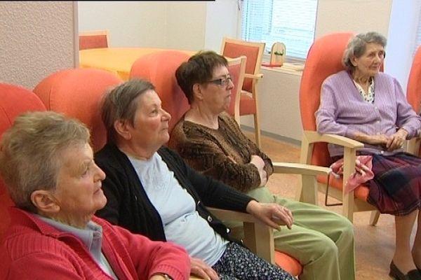 Après 85 ans, une femme sur quatre est touchée par la maladie d'Alzheimer