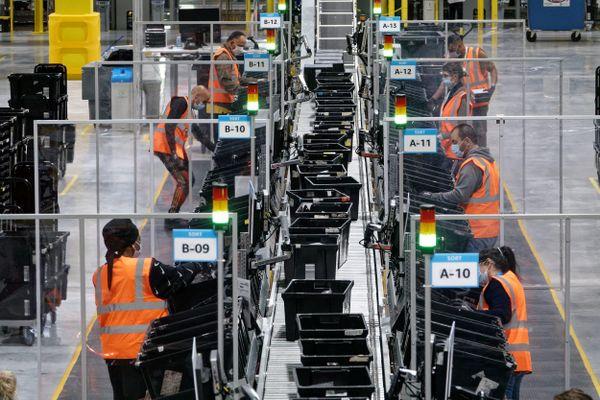 Inauguration du centre de logistique Amazon de Senlis.