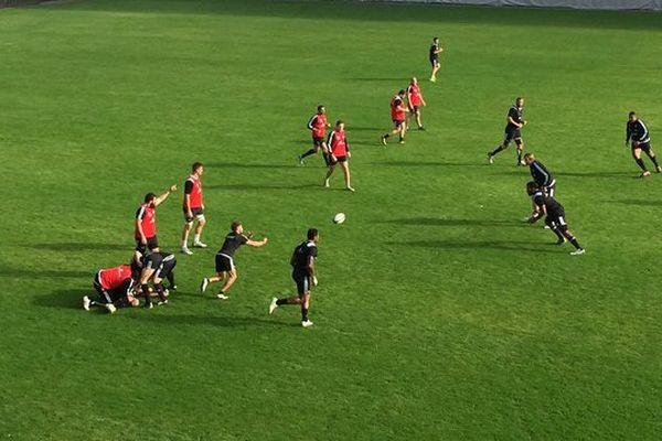Les brivistes à l'entraînement ce vendredi 6 novembre avant de recevoir Bègles-Bordeaux demain