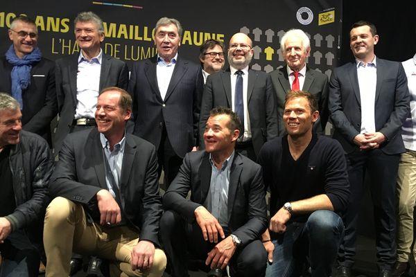 A Nice, des légendes du Tour de France se retrouvent autour du maillot jaune.
