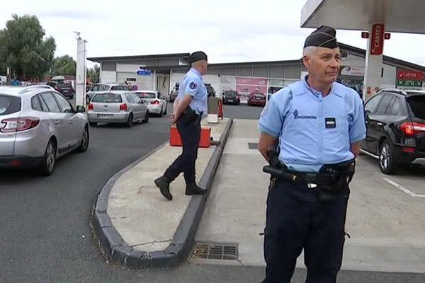 La gendarmerie sur l'aire d'autoroute des mille étangs, dans l'Indre