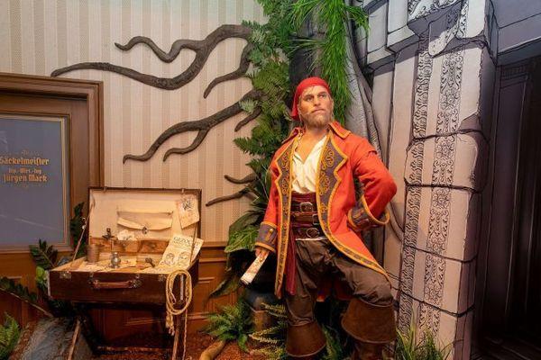 L'un des 80 flibustiers et aventuriers de l'attraction Pirates de Batavia, nouvelle formule.