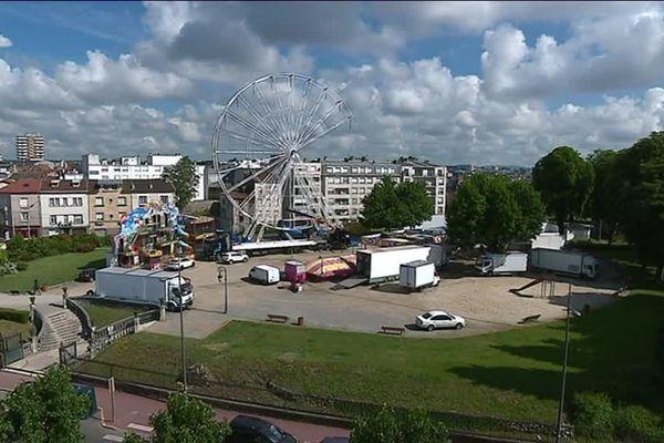 La grande roue trône désormais en plein coeur du jardin d'Orsay de Limoges