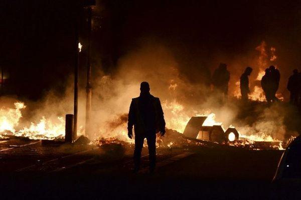 La situation a dégénéré en fin de journée à Bordeaux, casse de matériel mobilier, de banque dans le centre ville vers le Cours V. Hugo notamment