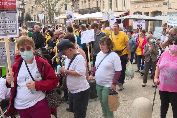 Les manifestants se sont élancés vers 14h00.