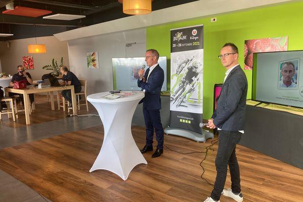Christophe Fossani, président du Tour de Bretagne et Damien Martin, speaker du Tour lors de la présentation de la 54e édition - 8/09/2021