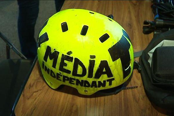Un des casques des journalistes de Radio Bip