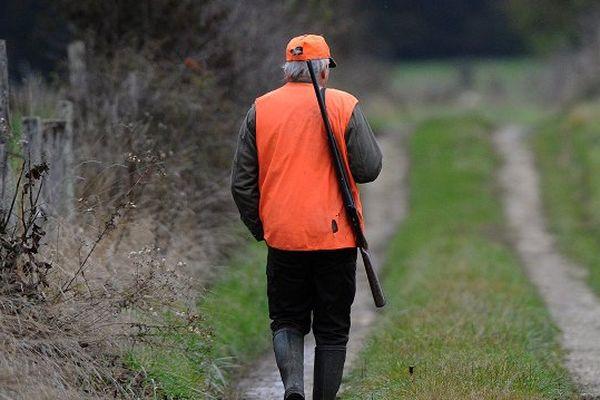 Les fédérations de chasse dénoncent une exagération.