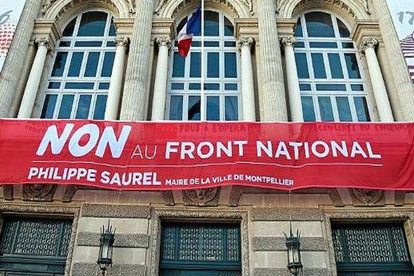 Montpellier - la banderole anti-FN - mai 2017.