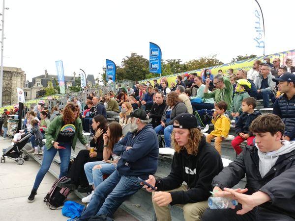 Beaucoup de monde dans les gradins lors des finales du FISE ce dimanche matin à Reims.