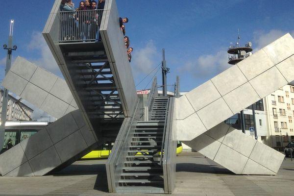 """""""Les jetées"""" place de Strasbourg à Brest, bâtiment public le plus moche de France, pour RMC"""