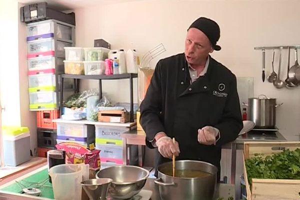 Marc Chenue est le dernier siropier d'Île-de-France. Il est basé dans les Yvelines.