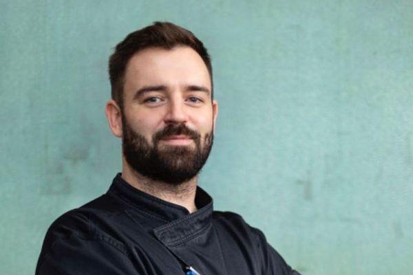 """Loïc Le Saux, le chef du restaurant """" Le Char'Lo Bistrot"""" à Douarnenez"""