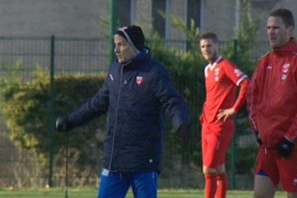 Le nouvel entraîneur du Nîmes Olympique, René Marsiglia, a été choisi pour redresser le Nimes Olympique. 30/12/2013