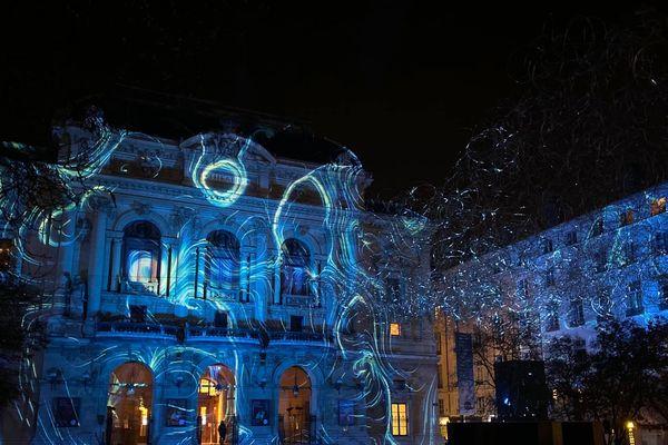 Fête des Lumières 2019 à Lyon ... Le Théâtre des Célestins (Lightning Cloud- place des célestins Jérôme Donna)