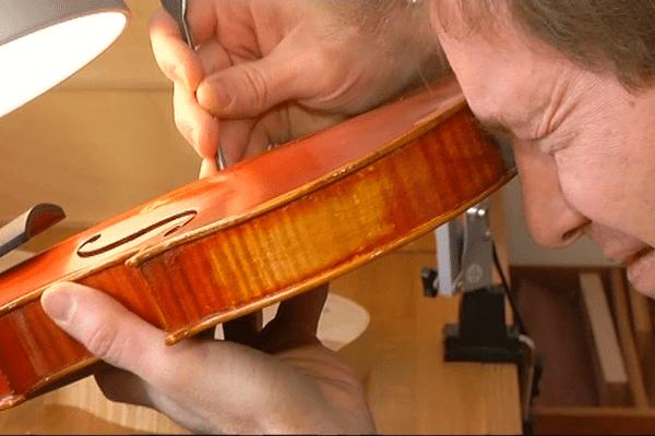 Luthier, un métier de minutie et de patience