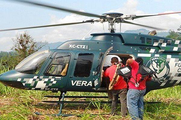 Un hélicoptère des autorités mexicaines participe aux opérations de recherches