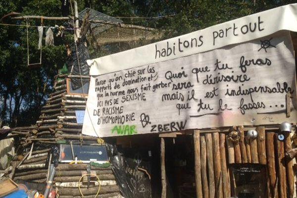 """Sur le """"camp"""" de Roybon"""