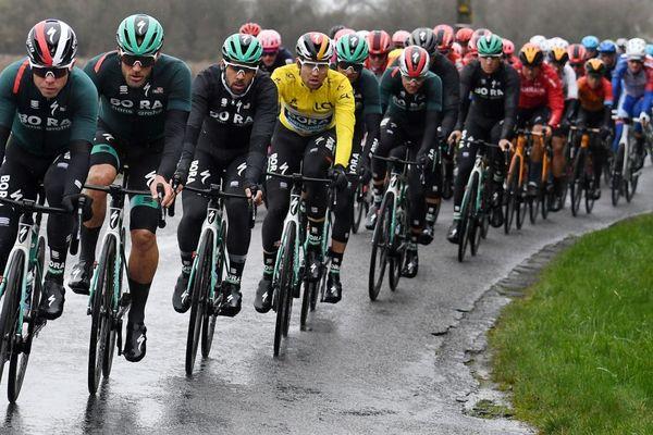 Jeudi 12 mars, la 5e étape de la course cycliste Paris-Nice s'est disputée entre Gannat dans l'Allier et La Côte-Saint-André en Isère.