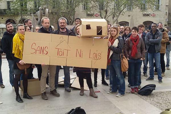 Les travailleurs sociaux place du marché aux fleurs à Montpellier