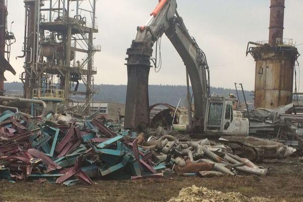 La démolition de l'ancienne raffinerie sera terminée en 2018