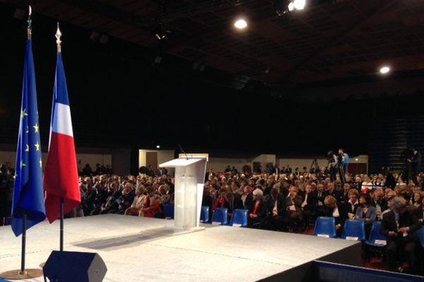 La tribune du président lors de la visite de François Hollande à Carcassonne en mai 2015.