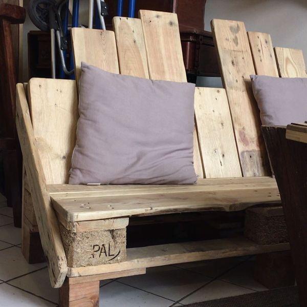 Exemple d'un canapé fabriqué en palette par l'atelier Wood Stock Project à Montpellier.