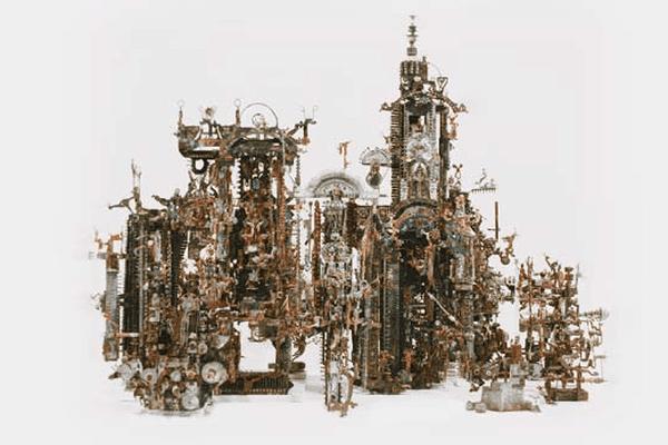 Assemblage d'éléments électroniques, de fils et de pièces de machine à écrire, 42 x 92 x 66 cm. Collection A. G.