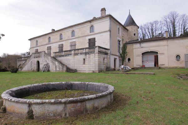 Le logis de Chalonne à Fléac en Charente